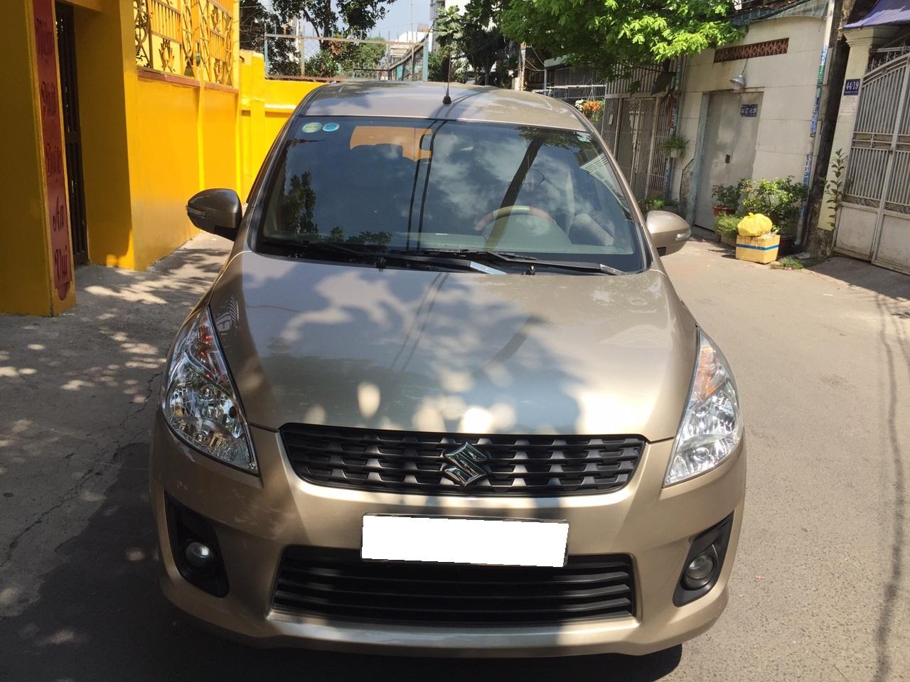 Cần bán Suzuki Ertiga 2016 số tự động màu vàng cát