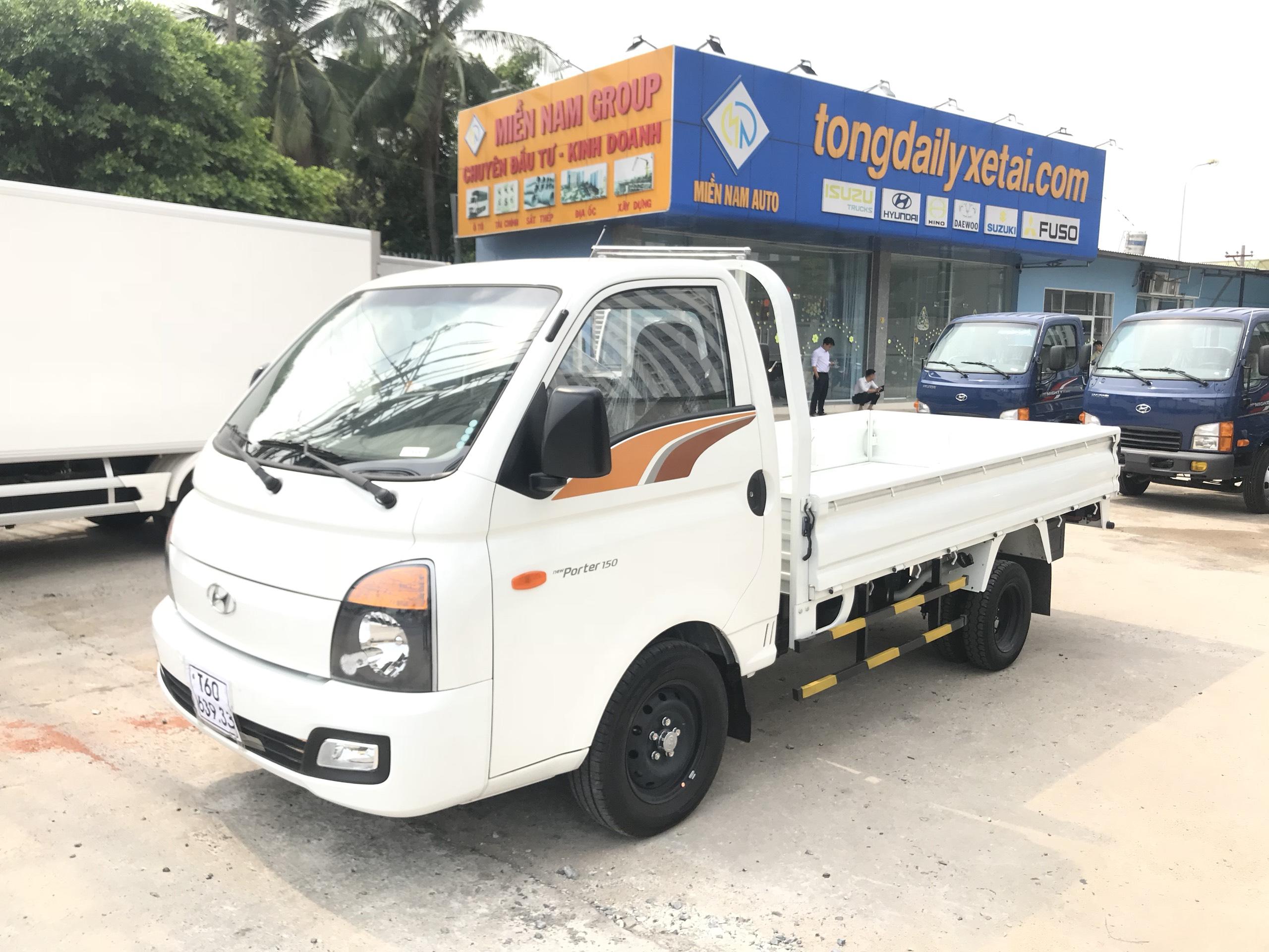 Xe tải thùng lững HYUNDAI Tải 1.5 tấn - Trả Góp