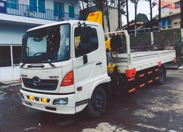 Xe tải 7 tấn HINO FC9JLSW gắn cẩu gập 3 tấn HYVA model HB70 E4 | Hỗ trợ mua trả góp 90% giá trị xe
