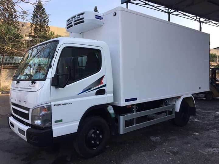 Xe tải thùng ĐÔNG LẠNH FUSO canter 6.5 tải 3 tấn - Trả Góp