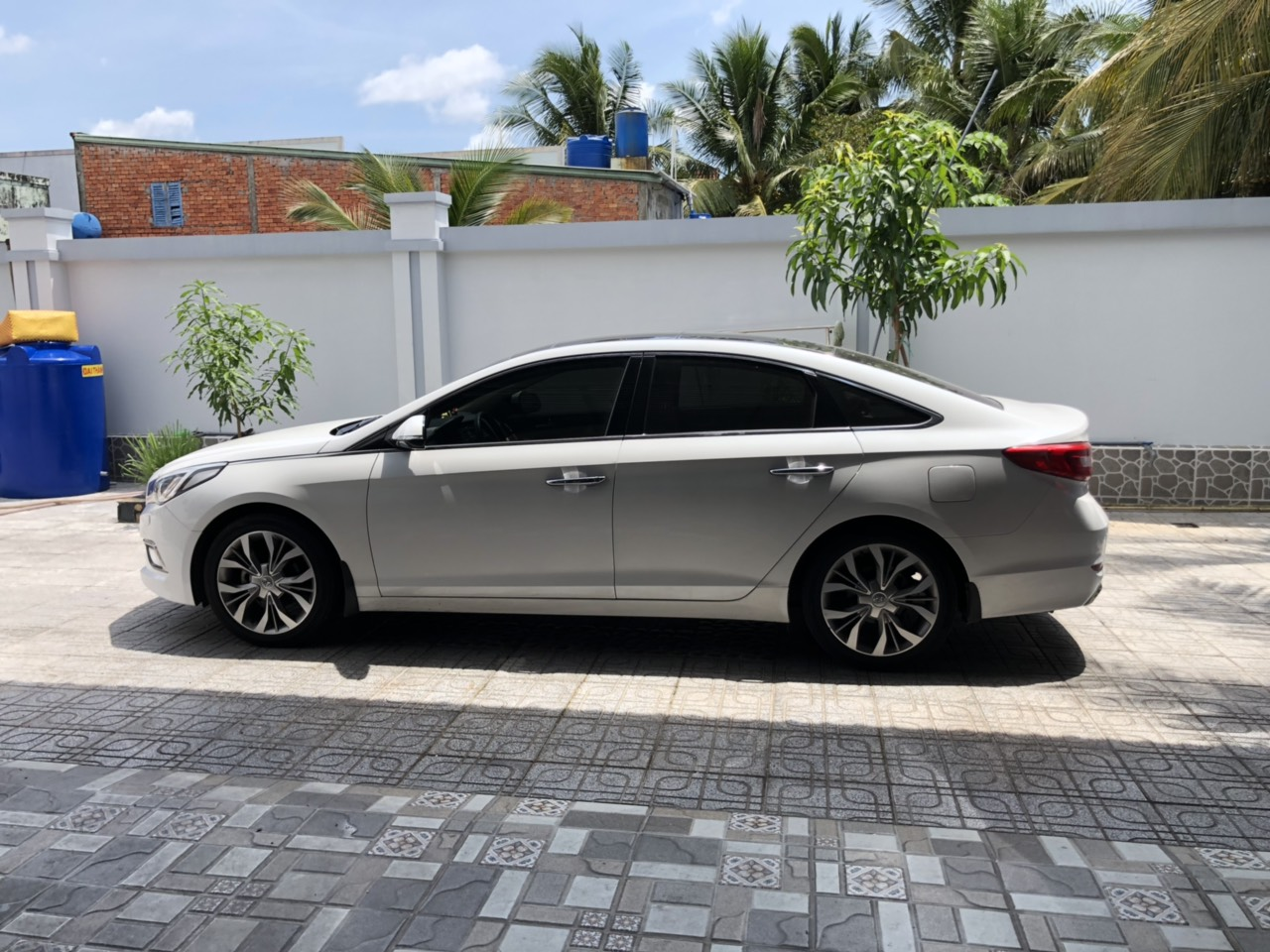 Hyundai sonata 2.0AT 2016 màu trắng xe siêu cọp