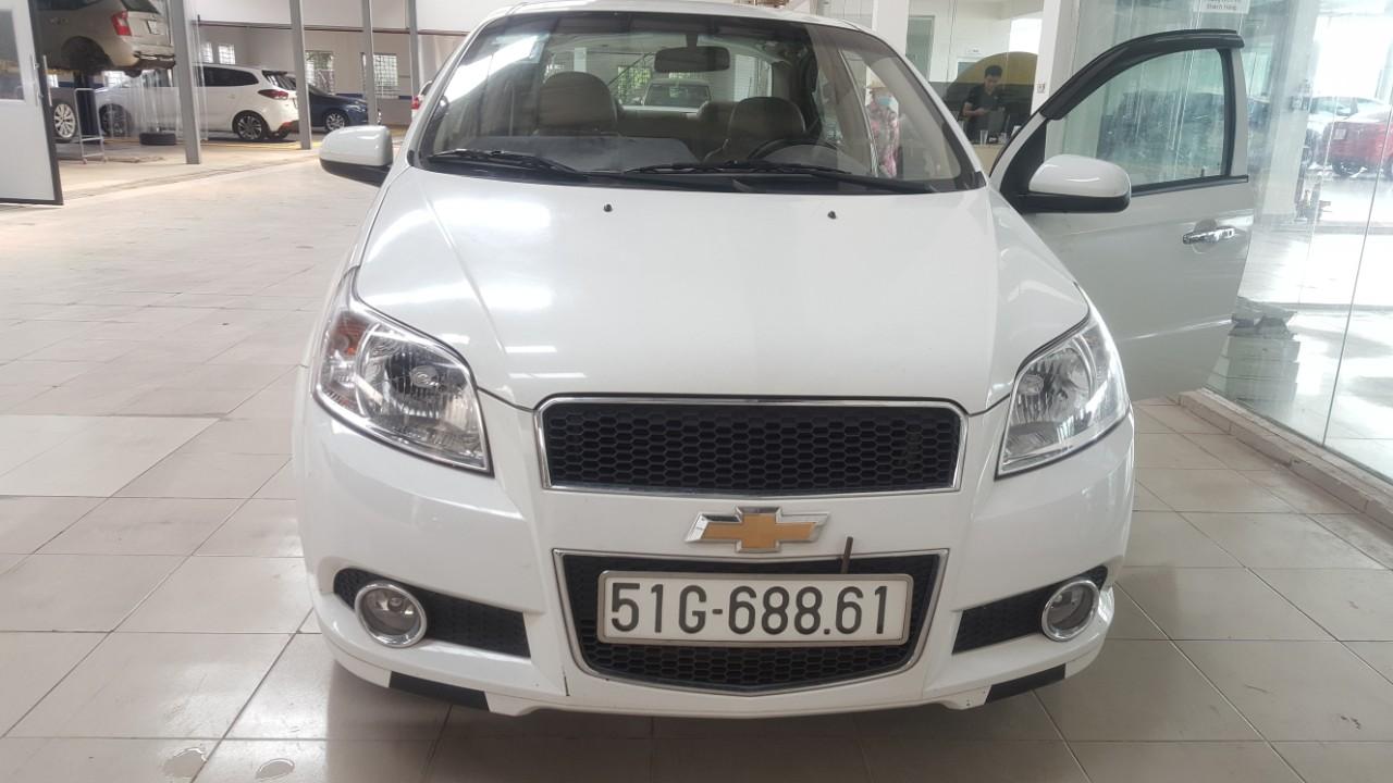 Bán Chevrolet Aveo LTZ 1.4AT màu trắng số tự động sản xuất 2018 biển Sài Gòn đi 30.000km