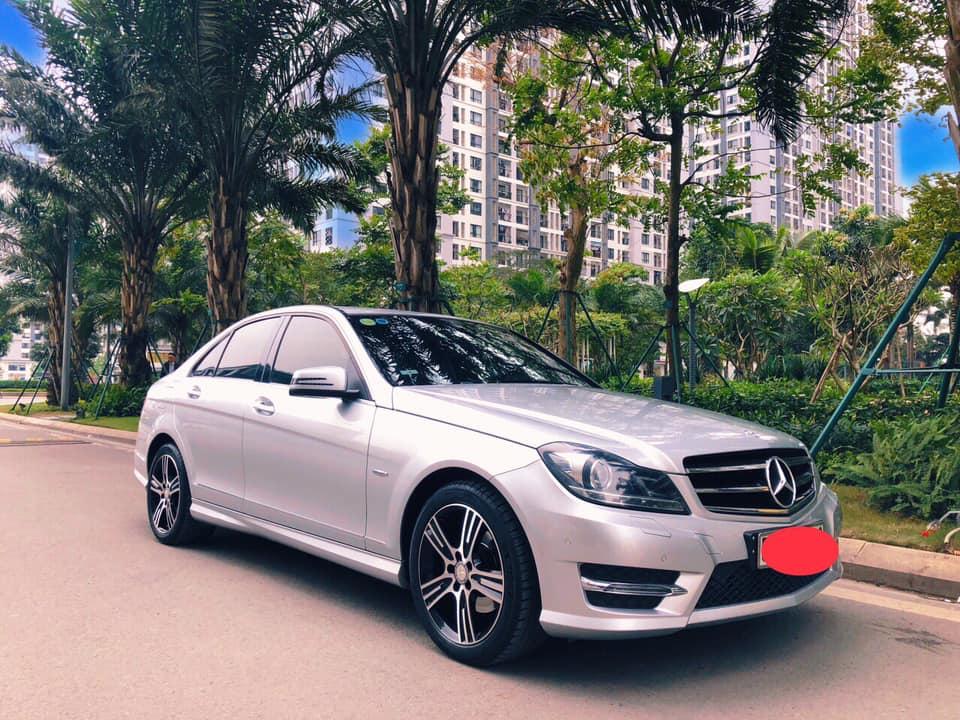 Gia đình cần bán C200, sản xuất 2014, số tự động, màu bạc