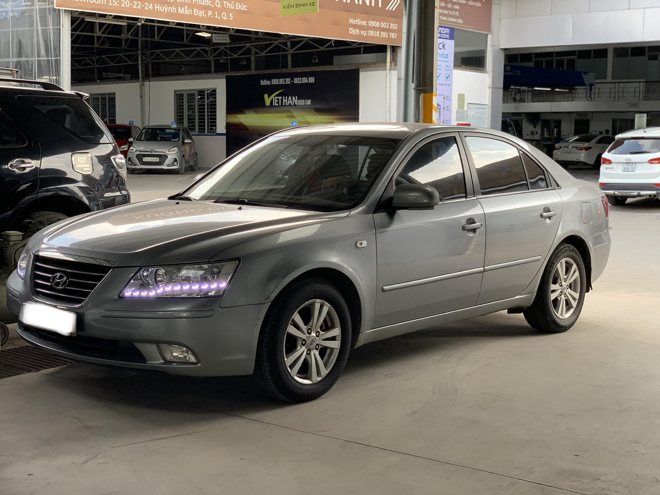Bán Sonata 2.0MT 2009, màu bạc, đúng chất, giá TL, hổ trợ góp