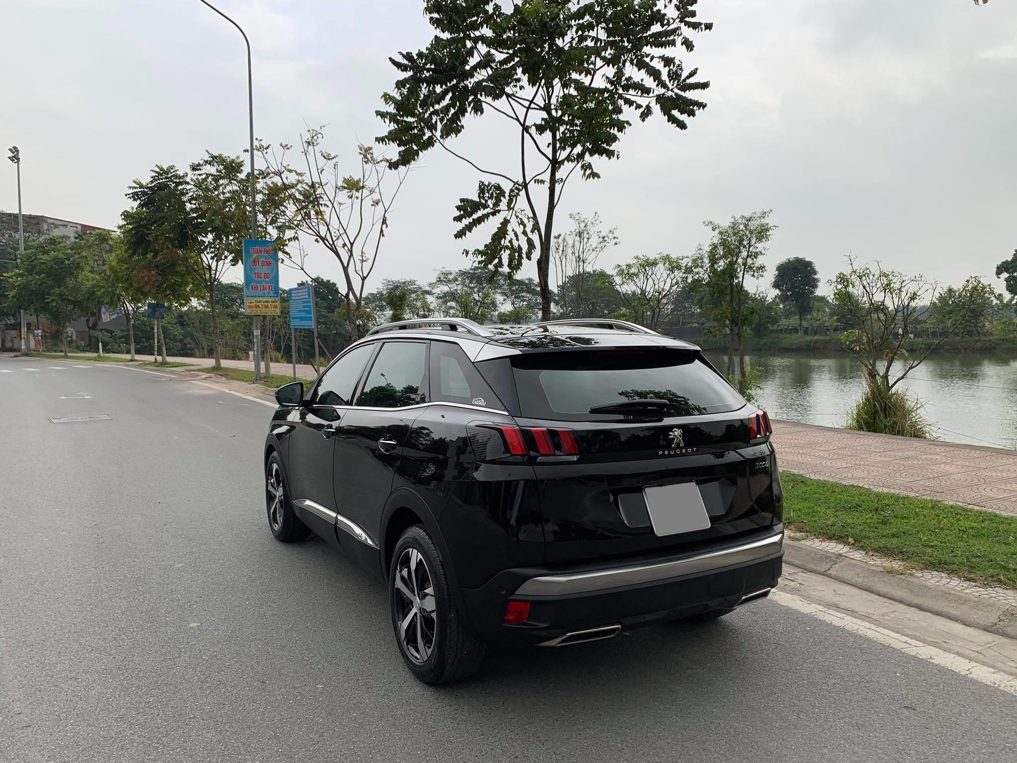 Bán siêu xe Peugeot 3008 sx 2018 màu đen, odo 23.000 km, biển tp