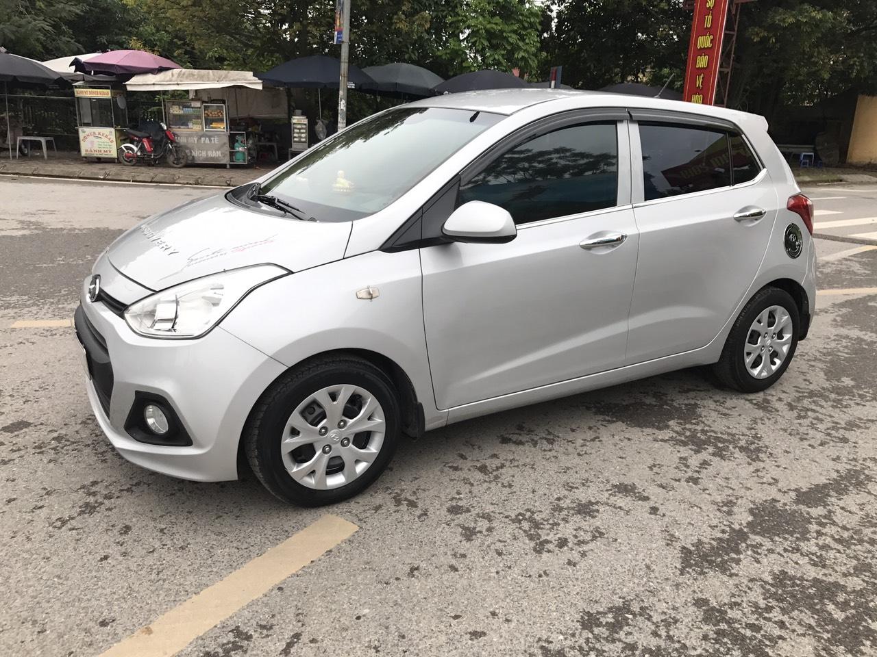 Hyundai Grand i10 1.0 MT sản xuất 2014, màu bạc, nhập khẩu. Xe Tuyển