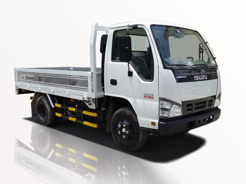 Xe tải isuzu 2t5 thùng lững qkr 230 chạy vào thành phố 0