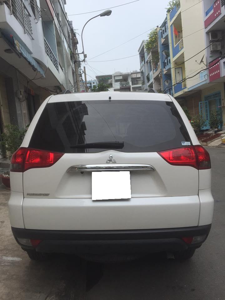 Gia đình cần bán xe Mitsubishi Pajero Sport 2016 số sàn máy dầu