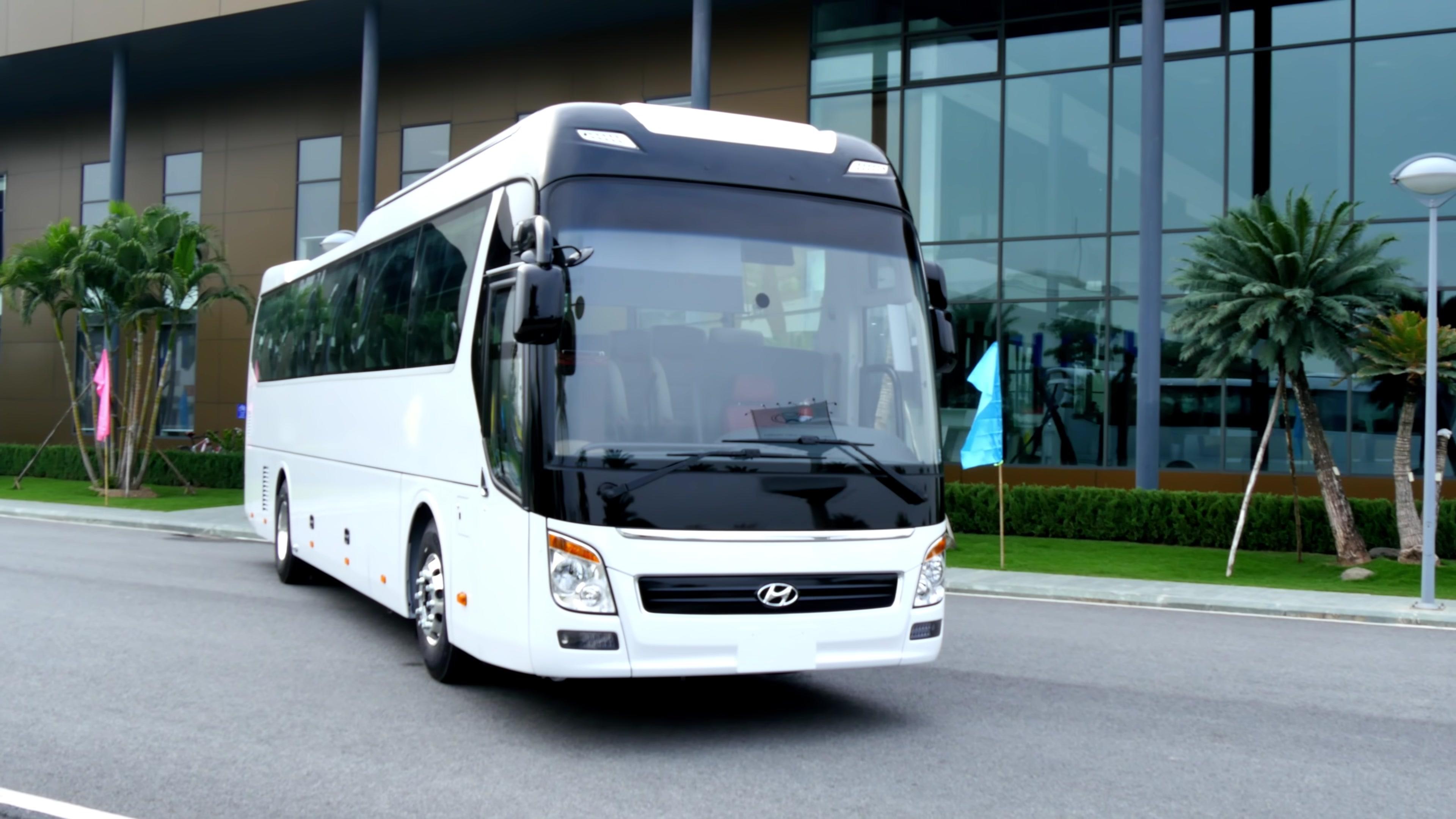 Hyundai Universe 2019, 47 chỗ đẳng cấp sang trọng, tiện nghi cao cấp