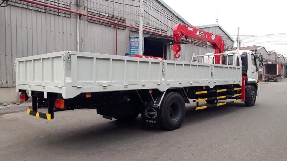 Xe tải Hino FG8jt7a gắn cẩu thùng dài đời 2109