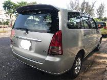 Cần bán xe Toyota Innova 2008 màu bạc số sàn, gia đình sử dụng kĩ