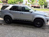 Bán xe Fortuner 2015, số sàn, máy dầu, màu bạc