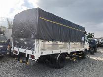 xe tải huyndai hd110s thùng bạt