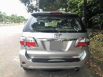 Cần bán xe Toyota Fortuner 2010 máy dầu số sàn, xe màu bạc rất đẹp
