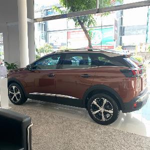 Peugeot 3008 sản xuất năm 2020 Số tự động Động cơ Xăng