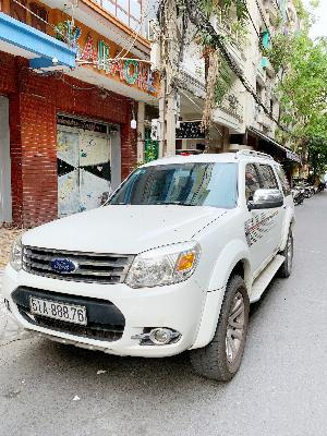 Ford Everest sản xuất năm 2014 Số tự động Dầu diesel