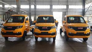DongBen 870kg Thùng Kín sản xuất năm 2020 Số tay (số sàn) Xe tải động cơ Xăng