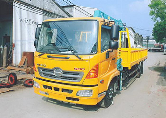 Xe tải 7 tấn HINO FC9JLSW gắn cẩu 3 tấn 3 đốt HKTC HLC3014M thùng dài. 5,6m | Hỗ trợ mua trả góp 90% giá trị xe 0