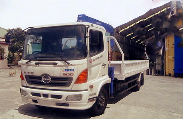 Xe tải 7 tấn HINO FC9JLSW gắn cẩu 3 tấn 4 đốt TADANO model TM_ZE304MH thùng dài 6m | Hỗ mua trả góp 90% 1