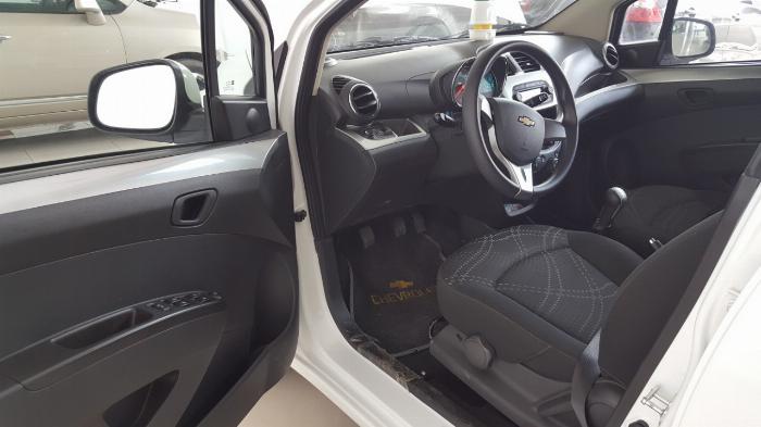 Bán Chevrolet Spark LS 1.2MT màu trắng số sàn sản xuất 2018 biển Bình Dương mẫu mới đi 6000km 4