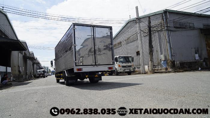 Xe tải Isuzu NQR75ME4, Tải trọng 5 Tấn 5, Thùng dài 5m6 | Isuzu NQR550 4