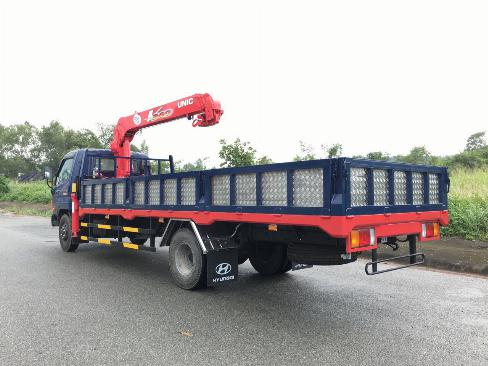 Xe tải HYUNDAI 120SL gắn cẩu UNIC URV375 2