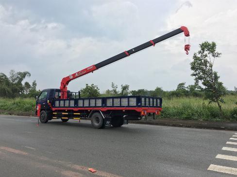 Xe tải HYUNDAI 120SL gắn cẩu UNIC URV375 3