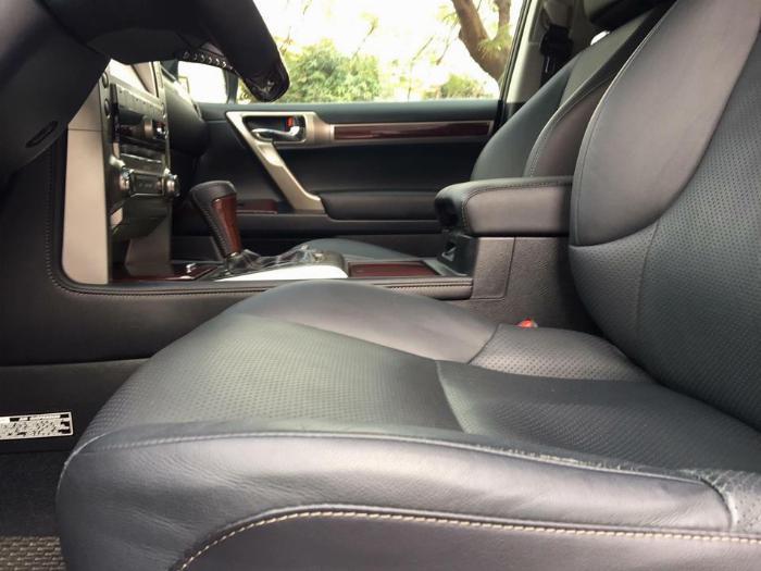 Cần bán xe Lexus Gx460 sx 2016 màu đen biển sài gòn, gia đình đi kĩ mới leng keng 5