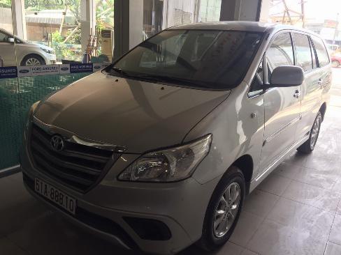 Bán Innova 2.0E sx 2014 màu bạc xe bán tại hãng 4