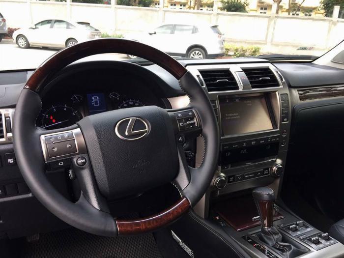 Cần bán xe Lexus Gx460 sx 2016 màu đen biển sài gòn, gia đình đi kĩ mới leng keng 2