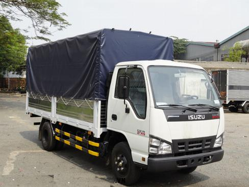 Bán  xe tải Isuzu 2.8 tấn QKH270, xe mới 2019, Trả Góp cao
