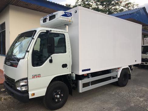 Bán xe tải Isuzu 1.9 tấn QKH270 thùng Đông Lạnh, Trả trước 20%