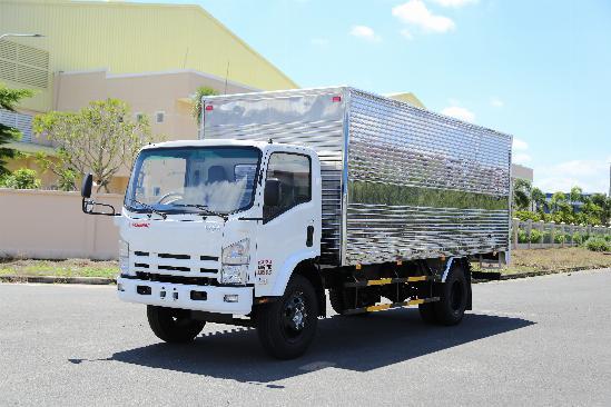 Xe tải thùng kín ISUZU VM FN129L tải 8.2 tấn thùng dài 7m -Trả Góp