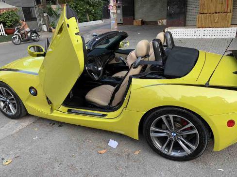 Bán siêu xe BMW Z4 2003 số tự động màu xanh chuối, mui xếp