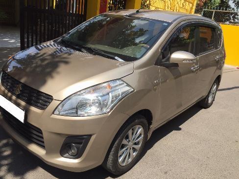 Cần bán Suzuki Ertiga 2016 số tự động màu vàng cát, nhập khẩu 2