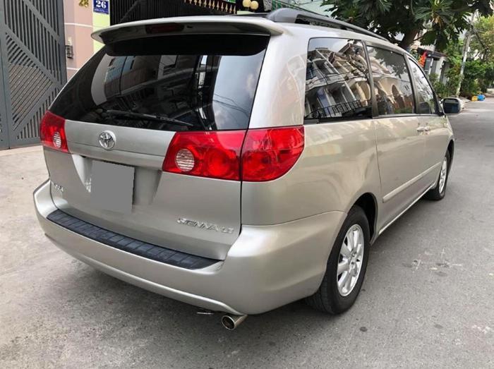 Bán Toyota Sienna LE 2009 nhập mỹ Bạc biển số thành phố 3