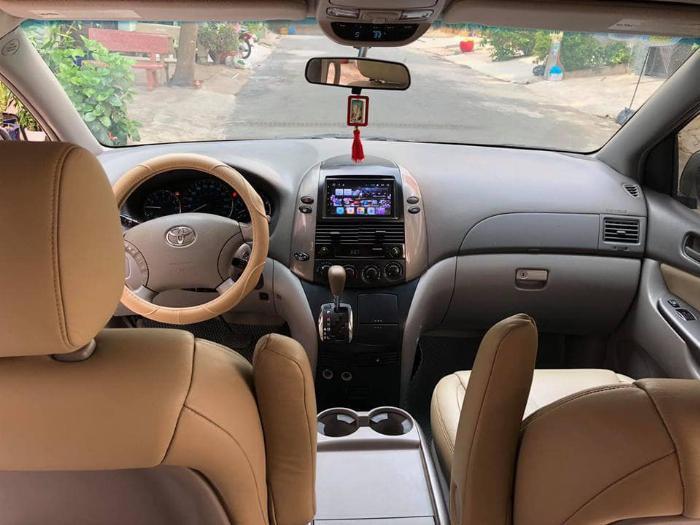 Bán Toyota Sienna LE 2009 nhập mỹ Bạc biển số thành phố 4