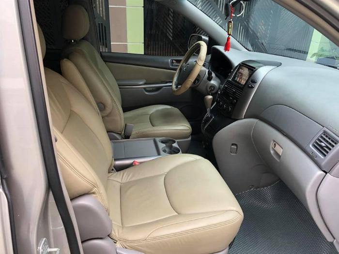 Bán Toyota Sienna LE 2009 nhập mỹ Bạc biển số thành phố 6