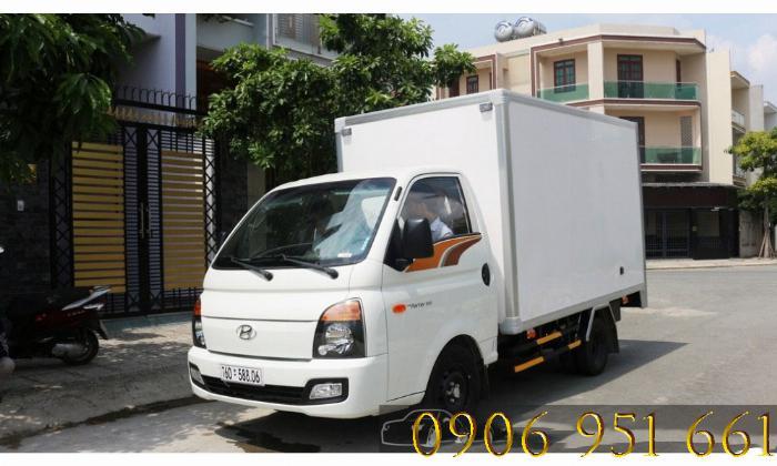 Xe tải Hyundai 1T5 thùng kín, Hyundai H150 xe có sẵn, giao ngay 1