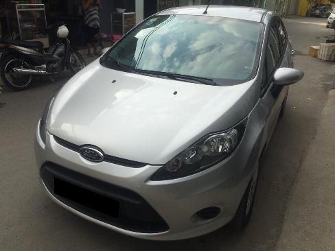 Bán Ford Fiesta 2012 tự động màu bạc xe đi kỹ như mới 2