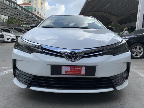 Bán xe Altis 1.8G số tự động sx 2018 màu trắng, 12.000km, góp 70%