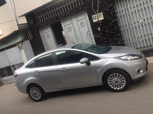 Bán Ford Fiesta 2012 tự động màu bạc xe đi kỹ như mới 5
