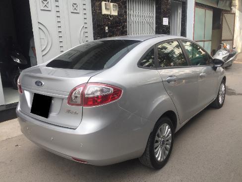 Bán Ford Fiesta 2012 tự động màu bạc xe đi kỹ như mới 8