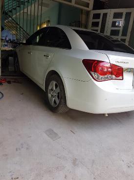 Gia đình cần bán xe Cruze 2013 Ltz, số tự động, màu trắng gia đình sử dụng rất kỷ và rất ít 2