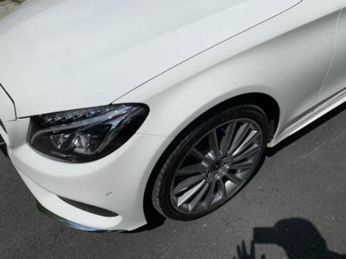 Bán chiếc mercedes C300 AMG 2018 màu trắng bản số tự động 9 cấp