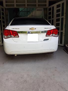 Gia đình cần bán xe Cruze 2013 Ltz, số tự động, màu trắng gia đình sử dụng rất kỷ và rất ít 3