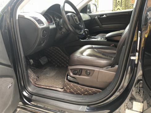 Bán Audi Q7 màu đen 2008 bản full nhé, ghé điện, cóp điện, surup mui nha 2