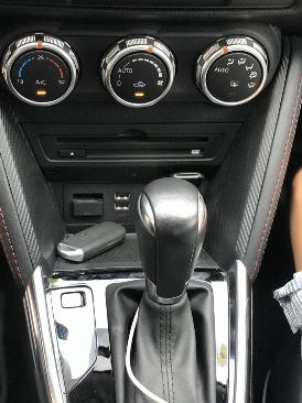 Bán Mazda 2 sedan 1.5AT màu trắng số tự động sản xuất 2016 đi 9000km 4