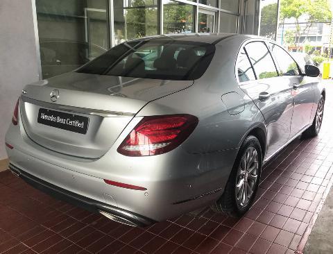 Bán Mercedes E200 lướt , ĐK 7/2018 , Chính hãng Mercedes