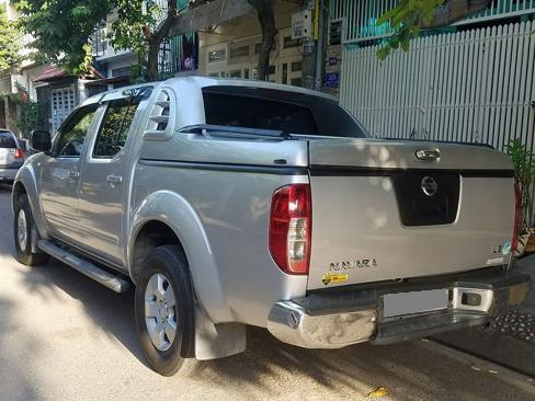 Bán Nissan Navara Bạc 2012 máy dầu hai cầu số sàn xe chính chủ.